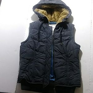 American Eagle Puffer style vest Women's Size Med